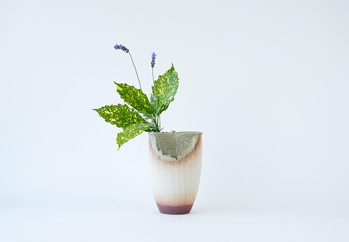 白化粧刷毛目花器01