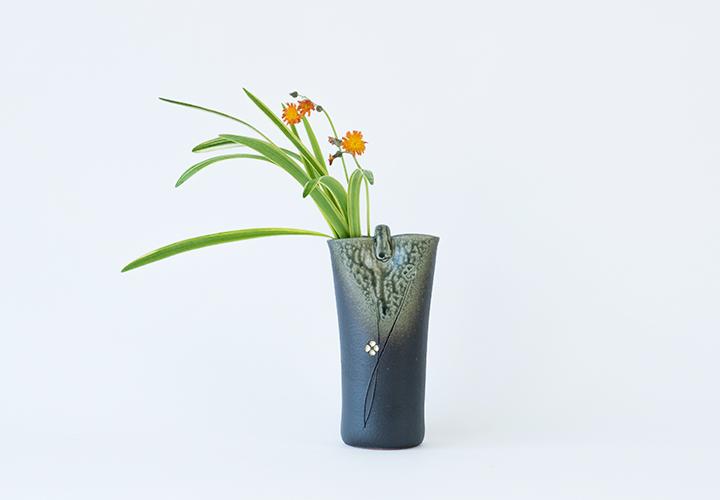 青ビードロ小花花器01