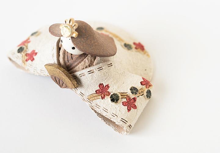 楽焼明山いわいのシンプルな陶器の雛人形の装飾
