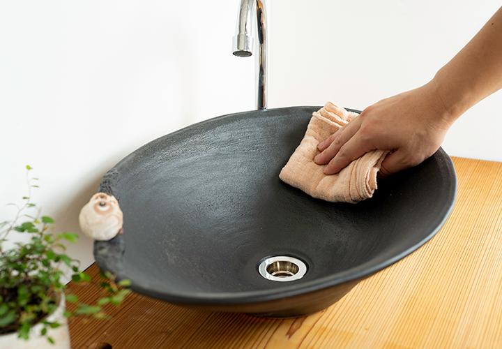 仲良しふくろう楕円手洗鉢(大)のメンテナンス