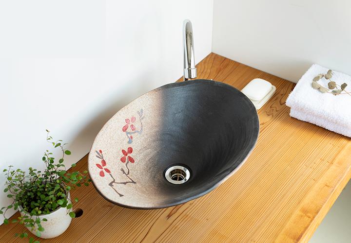 赤絵付楕円手洗鉢(W40cm)の使用風景