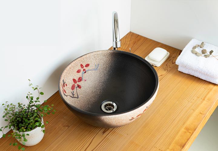 赤絵付楕円手洗鉢(φ30cm)の使用風景