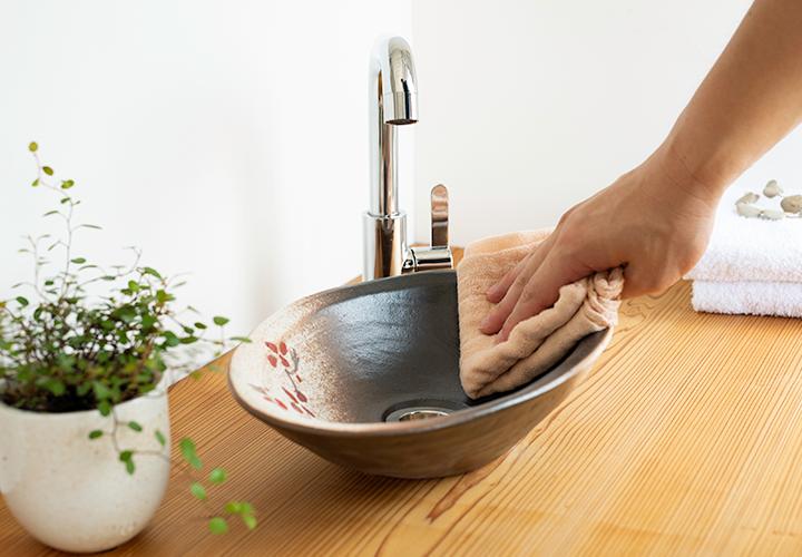 赤絵付楕円手洗鉢(W30cm)のメンテナンス
