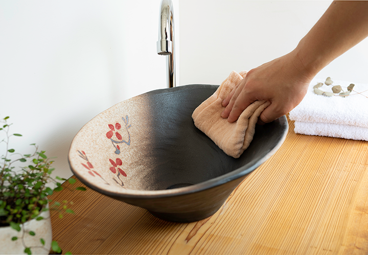 赤絵付楕円手洗鉢(W40cm)のメンテナンス