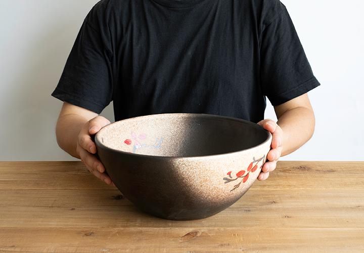 赤絵付楕円手洗鉢(φ30cm)のサイズ感